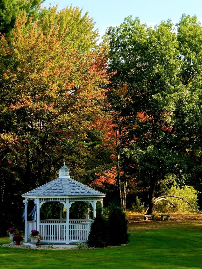 picture of the gazebo at the 228 event venue in the fall